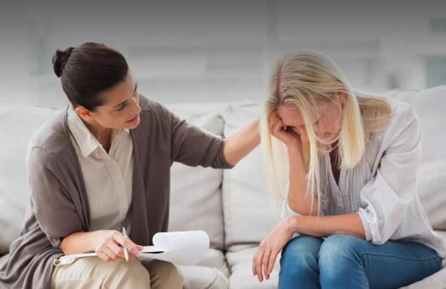 Женщина с психолог