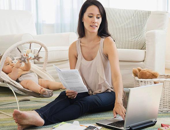 Мать рассчитывает семейный бюджет