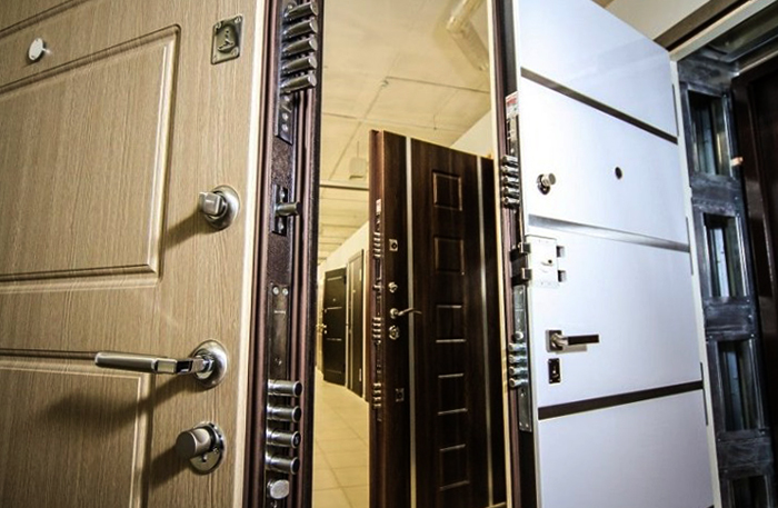 Выбор металлических входных дверей