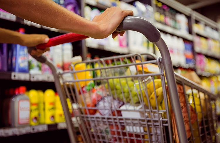 Покупка продуктов в магазине