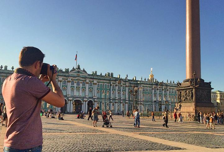 Туристы в Санкт-Петербурге