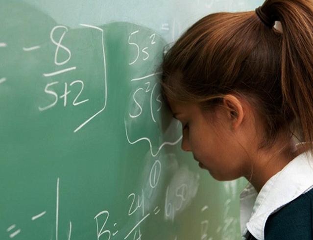 Девочка не хочет учиться