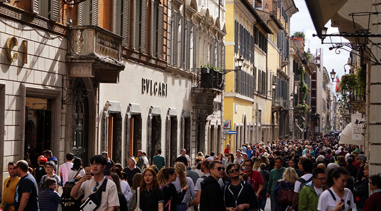Туристы в Италии
