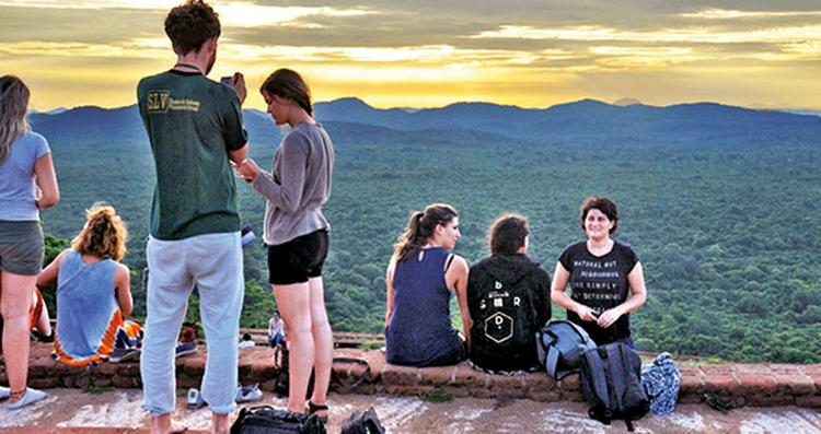 Туристы в Шри-Ланке