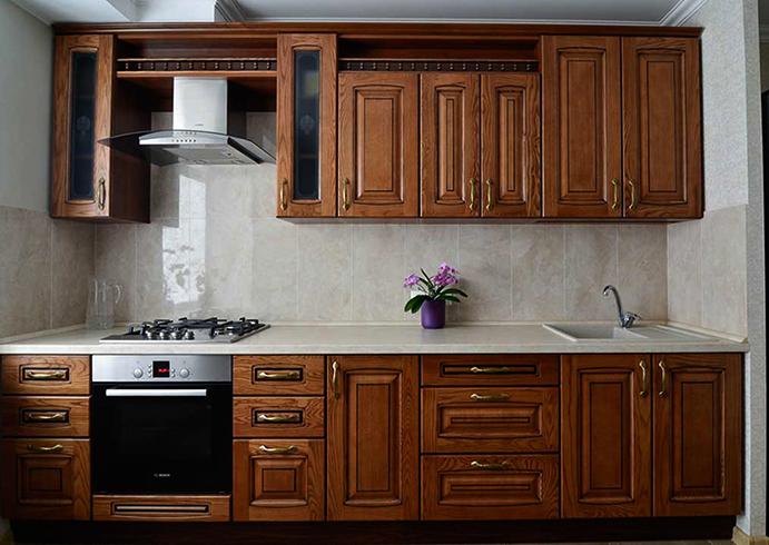Кухня из древесного массива
