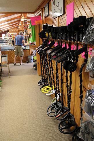 Металлоискатели в магазине