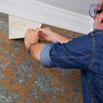 Как быстро ободрать обои со стен: советы и рекомендации