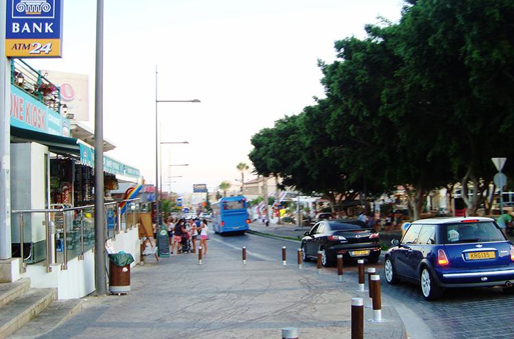 Улица Айа-Напы