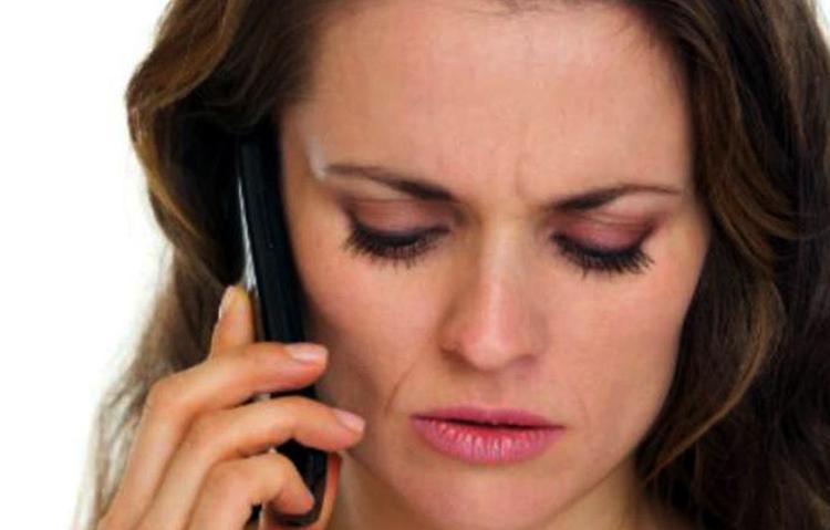 Женщина звонит любовнице мужа