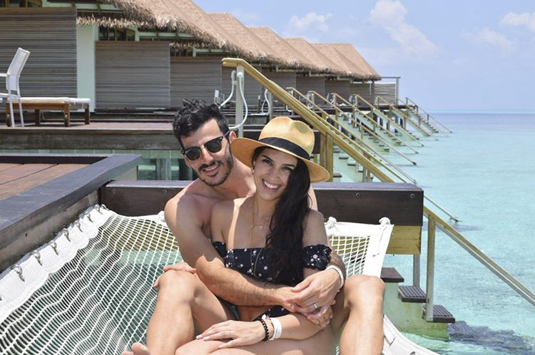 Счастливые туристы на Мальдивах