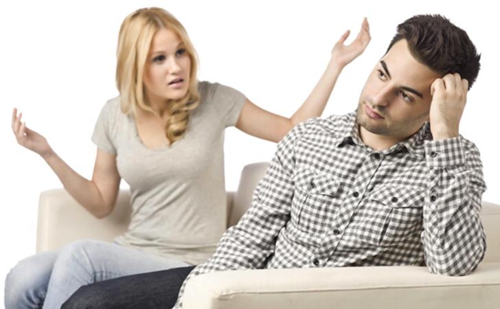 Жена сильно ревнует мужа