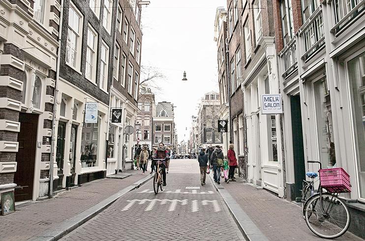Улица Амстердама