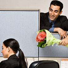 Что делать если начальник признался в любви?